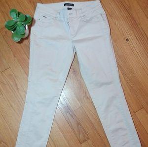 Pants - White House Black Market Slim Ankle Pant